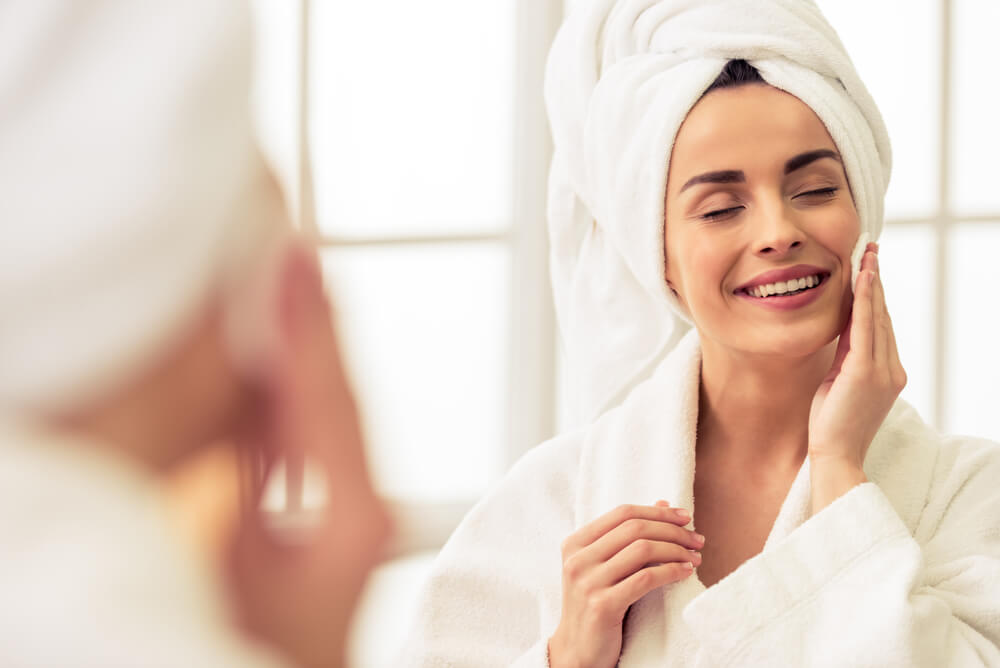 Pulizia del viso: scrub, peeling e maschera viso